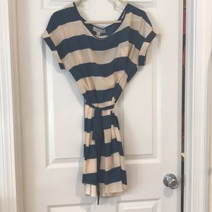 Cap sleeve Olive & Oak dress